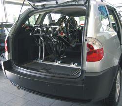 innenraum fahrradtraeger und fahrradhalter